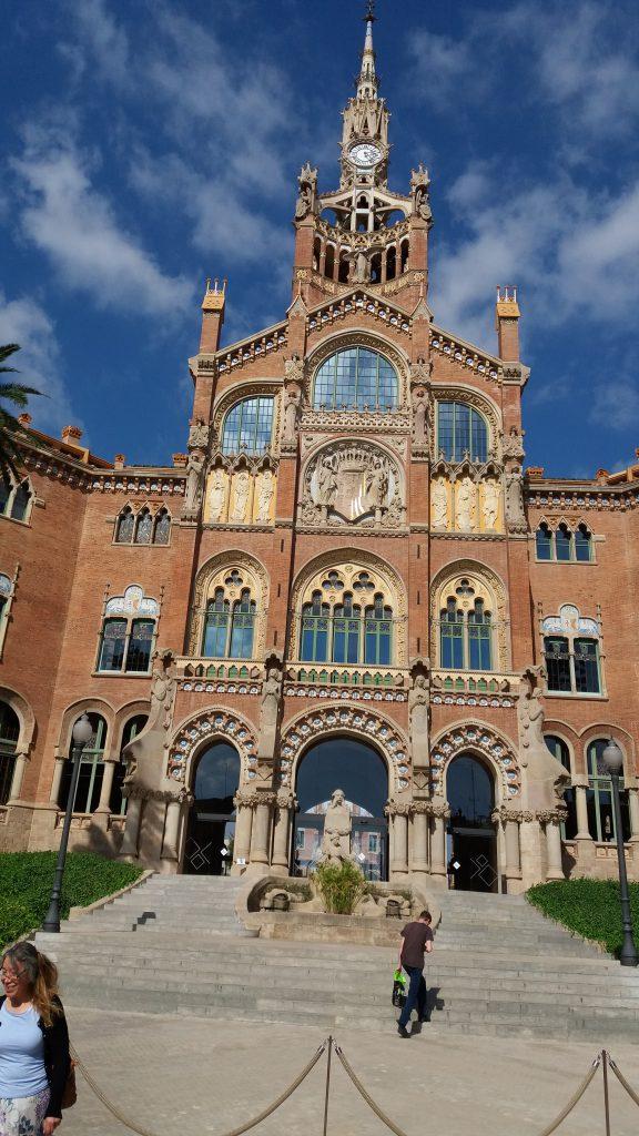 Exterior of Sant Pau. Photo.